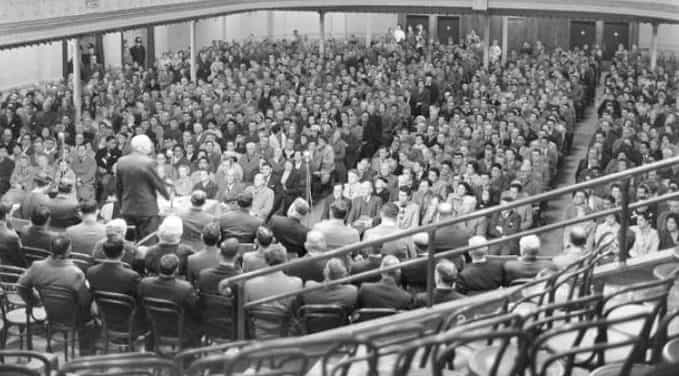 Crowds at a protest meeting in the Wellington Town Hall when the All Blacks were off to tour South Africa.
