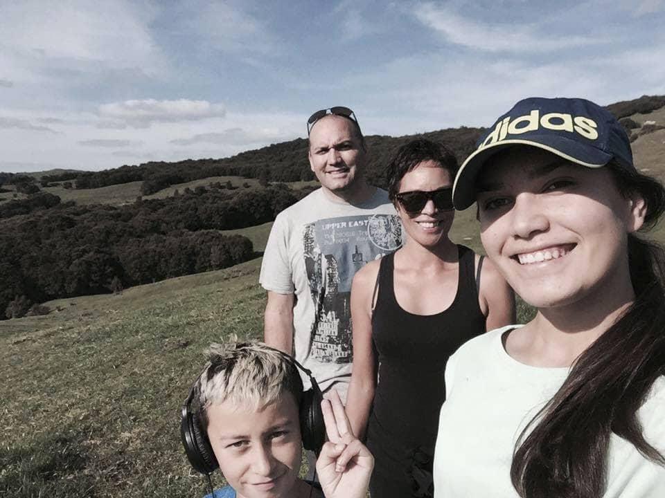 Manu and his wife Natasha (Tarsh) with their children, Maioha and Miria.